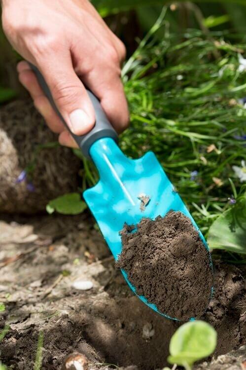 Gardena tuinschepje in volle grond
