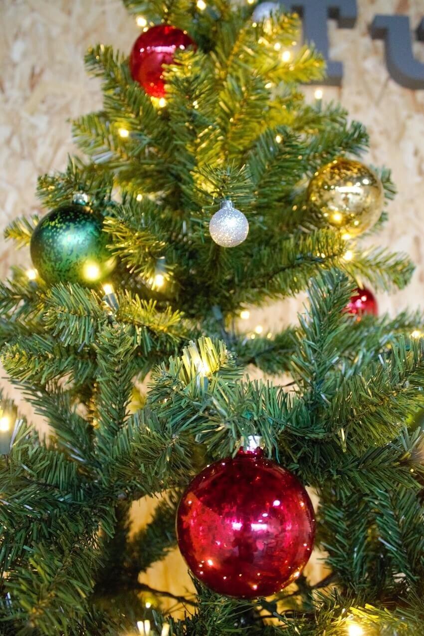 Kunstkerstboom groen incl. LED 185 cm sfeerfoto