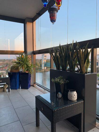 Planter Smooth op het balkon