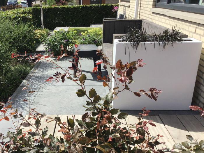 Planter Smooth in de tuin